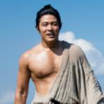鈴木亮平の筋肉ヤバし!驚愕トレーニング方法がすごい